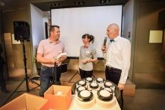 David Moncorgé (Moncorgé) heureux gagnant d'un bracelet Fitbit connecté, Céline M et Claude Poux